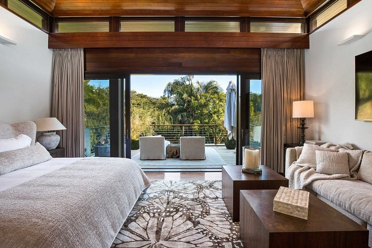 primary suite in matt damon's los angeles house